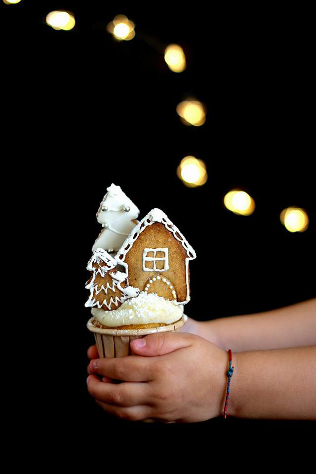Winter village cupcake
