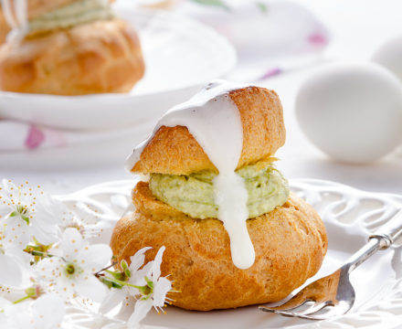 Bignè salato con mousse di carciofi