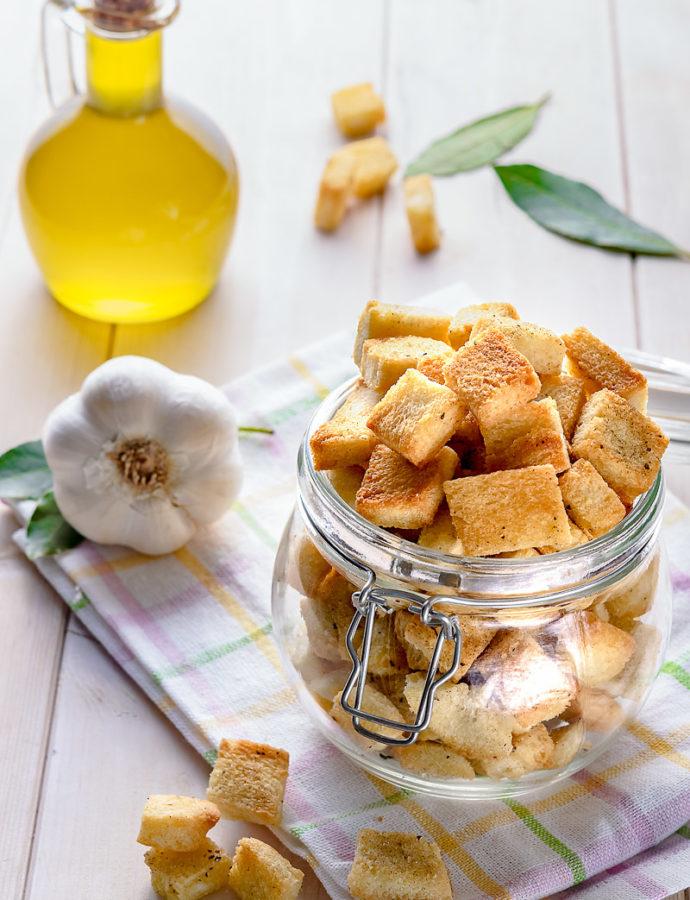 Crostini di pane all'olio extravergine